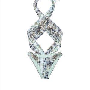 🌴NWT Victoria's Secret Snakeskin Monokini 🐍